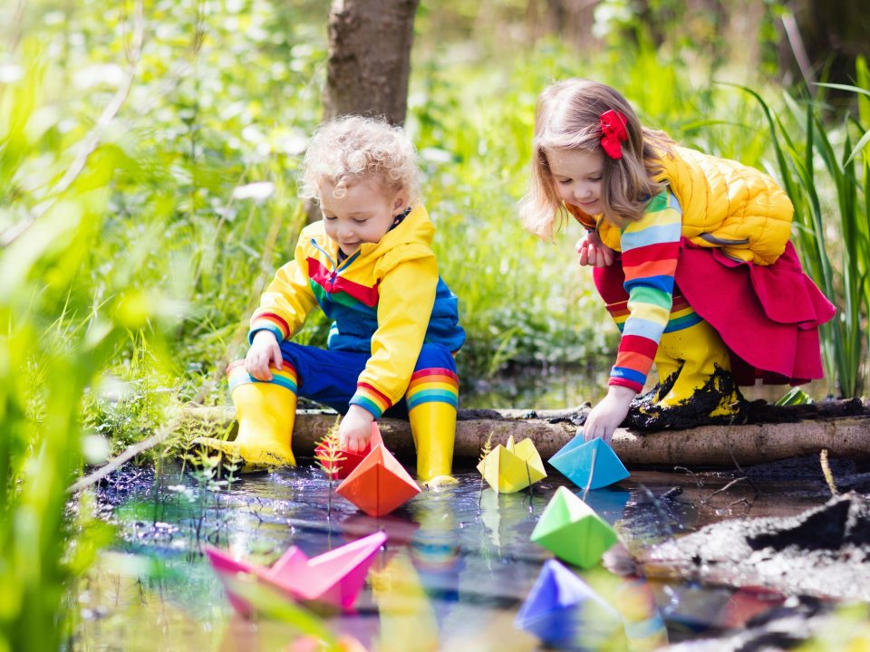 Kid your kids happy and healthy all summer long with a season full of fun family activities.