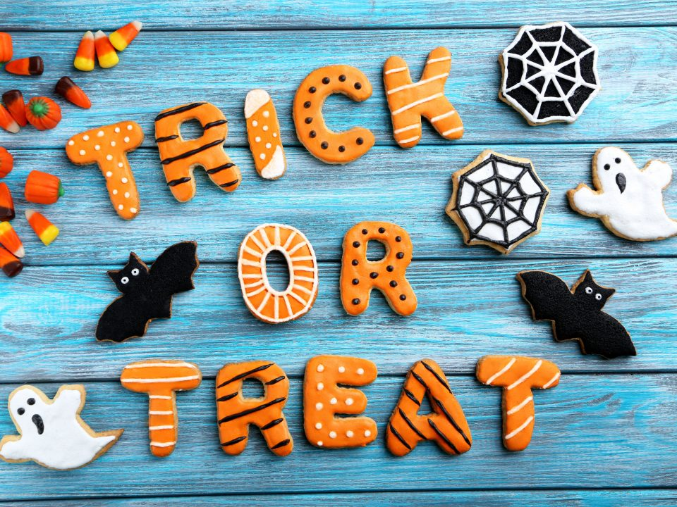 Whether you're worried about what to give trick-or-treaters suffering from food allergies or just watching your family's sugar intake, these healthy alternatives are sure to be a hit for Halloween.