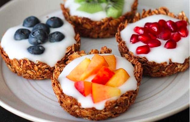 Fruit & Yogurt Granola Cups